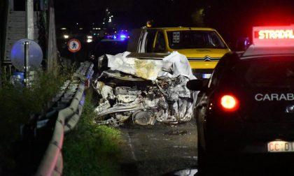 Tragico frontale: ragazzo muore carbonizzato nella sua auto dopo lo schianto FOTO