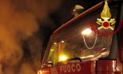 Incendio in palazzina a Stradella: soccorse due donne SIRENE DI NOTTE