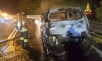 Auto prende fuoco sulla A7 a Bereguardo FOTO