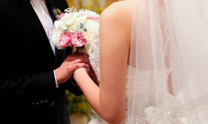 Matrimonio interrotto: sposo e sposa arrestati durante il sì