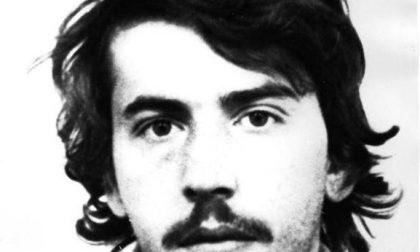 Il killer che uccise tre carabinieri, in permesso premio, rapina e accoltella un anziano