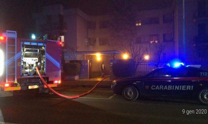 Incendio palazzina Vigevano: carabinieri salvano due persone ma finiscono in ospedale