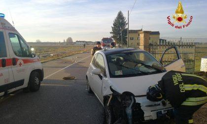 Perde il controllo dell'auto ed esce di strada: a bordo mamma e figlia di 8 anni