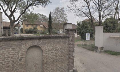 Omicidio in un cascinale: 90enne trovata morta legata a una sedia