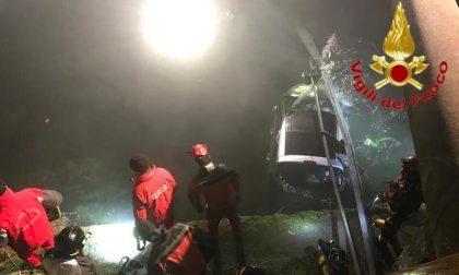 Auto finisce nel Naviglio: ferite tre giovani ragazze FOTO
