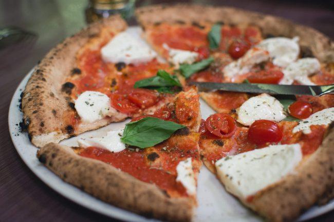 Pizza Day, si celebra una pietanza che non teme la crisi