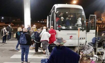 """Operazione """"Costa Luminosa"""", terminata l'odissea dei 40 passeggeri: in campo anche la CRI di Voghera FOTO"""