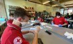 I volontari di Monza Soccorso in campo per produrre 90mila mascherine, aiuti anche da Pavia FOTO VIDEO
