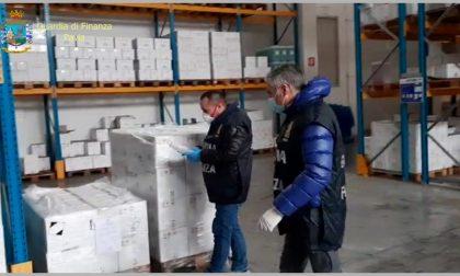 Semplice acqua e sapone venduta come gel igienizzante: sequestrati 21mila flaconi FOTO VIDEO
