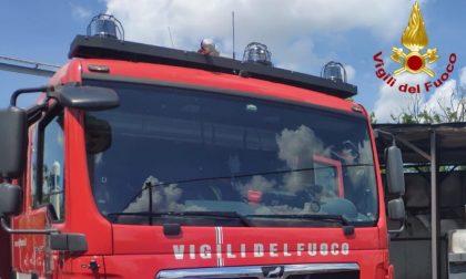 Incendio in azienda di oli esausti, a San Genesio arrivano i Vigili del Fuoco