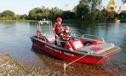 14enne si ferisce ad un piede sul Ticino, soccorso da imbarcazione dei Vigili del Fuoco FOTO