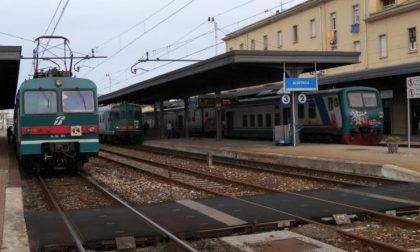 Sorpreso in stazione a Mortara a lanciare sassi contro i treni in sosta