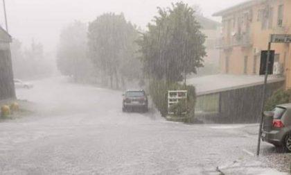 Bomba d'acqua in Valle Staffora: grandine, abitazioni allagate e strade invase dal fango
