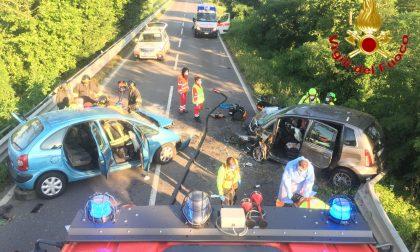 Schianto frontale sulla via Emilia: tre feriti in modo grave FOTO