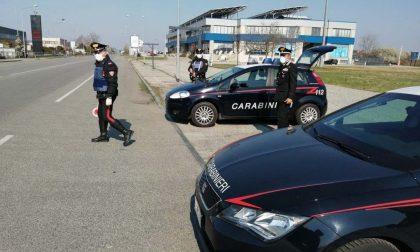 Alla vista dei Carabinieri si disfa della coca e fugge: pusher arrestato dopo inseguimento