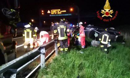 Auto fuori strada in A1: tre feriti in serie condizioni FOTO