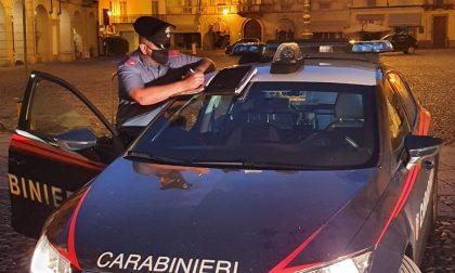 """In centro a Voghera a """"sgommare"""" con l'auto: denunciato"""