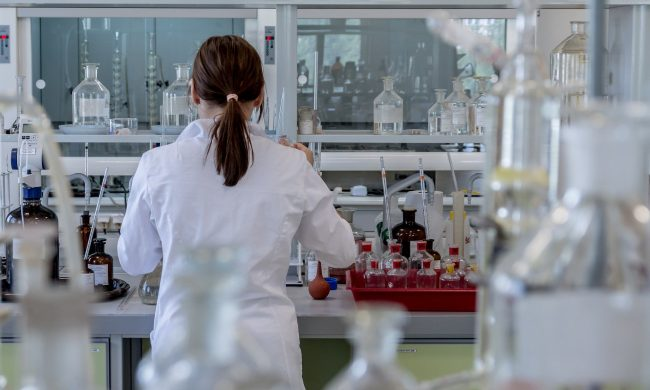 Vitamina C per prevenire il Covid-19? Lo studio dell'Università di Pavia