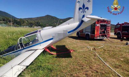 Atterraggio sbagliato, aereo da turismo finisce in un fossato: ferito 56enne pavese