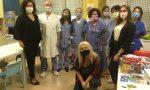 """Mascherine """"umorali"""" in dono ai bambini della pediatria del San Matteo FOTO"""
