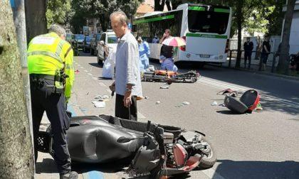 Grave caduta in moto a Pavia, due ultrasettantenni trasportati in Pronto Soccorso