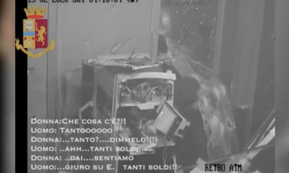 Assaltavano bancomat e rapinavano auto di lusso: sgominata banda di nomadi VIDEO