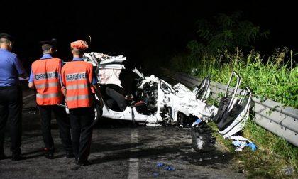 Scontro frontale con un furgone, morti due 28enni FOTO E VIDEO