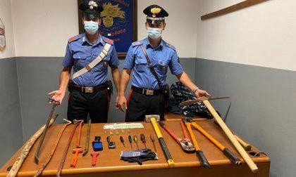 Arrestati giovani fratelli pregiudicati: raffica di furti in sole tre ore