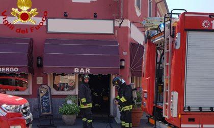 Fiamme dalla friggitrice, principio d'incendio a Sannazzaro FOTO