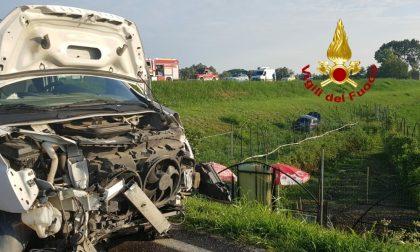 Incidente a Mezzanino, automobilista ferito dopo uno scontro con un furgone FOTO