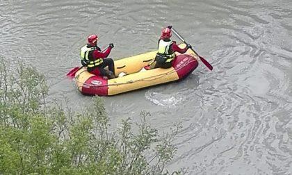 12enne si tuffa nel Ticino ma rimane sott'acqua: recuperato e trasportato in ospedale in condizioni disperate