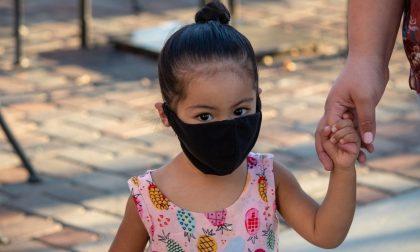 Bambina di 4 anni positiva al Covid: in isolamento 23 persone. Ma l'istruzione pavese non si ferma