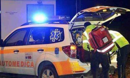 Incidente tra auto e mezzo di trasporto organi: grave medico del San Matteo