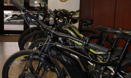 Affittavano biciclette ma invece di restituirle al noleggiatore le rivendevano