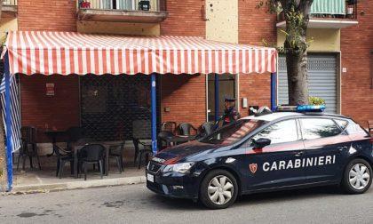 Assembramenti e clienti senza mascherina: bar chiuso a Voghera