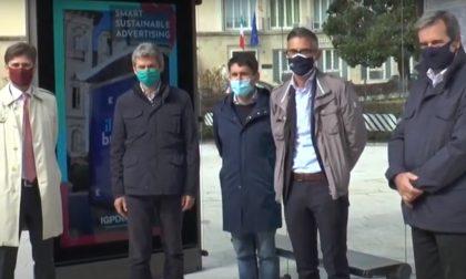 Nuovo arredo urbano digitale a Pavia: arrivano le pensiline digitali smart