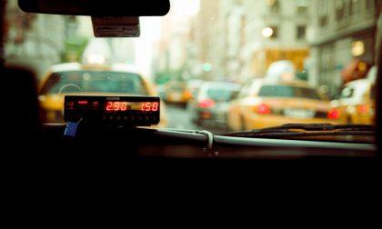 A Pavia il taxi si prende con il contributo del Comune, come funziona e chi può presentare domanda
