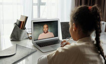 Lockdown e bambini al computer: aumentano i reati sessuali online