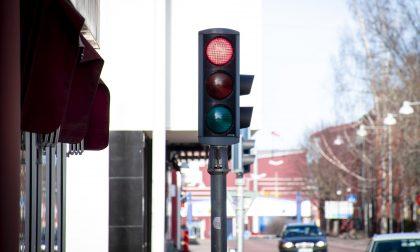 Occhio alle multe: da gennaio 17 T-red fotograferanno chi passa col rosso