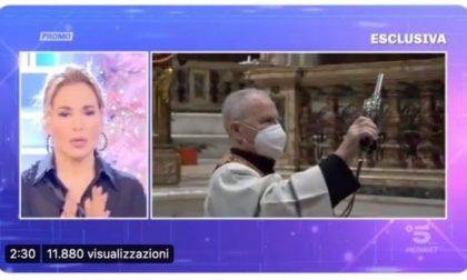 Barbara D'Urso e la gaffe della medium certificata dall'Università di Pavia
