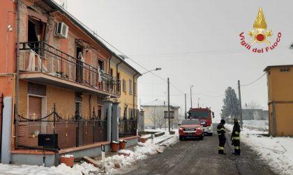 Esplode abitazione per una fuga di gas, ferito gravemente il proprietario