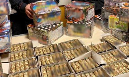 Denunciato 33enne, nel box aveva un arsenale di fuochi d'artificio FOTO