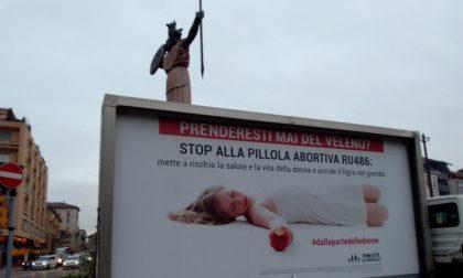 Anche a Pavia i camion vela contro i rischi della pillola abortiva RU486