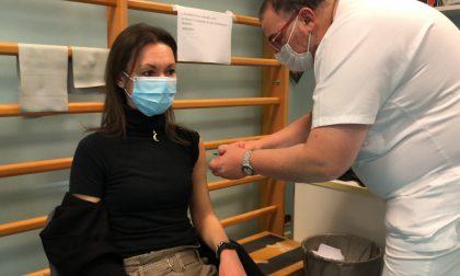 Covid, al via le vaccinazioni degli operatori dell'IRCCS Maugeri di Pavia e Montescano