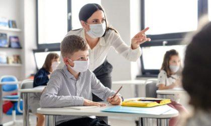 Scuola, il Governo ha deciso: il 7 gennaio elementari e medie, slittano le superiori