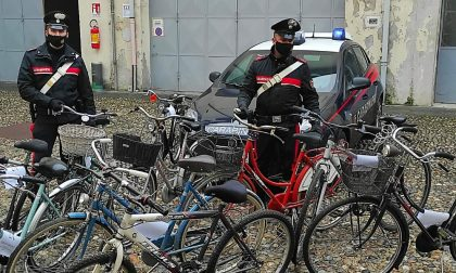 Rubano biciclette per poi rivenderle su internet: tra le 13 ritrovate c'è anche la tua?