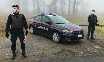 Due spacciatori arrestati dopo inseguimento a piedi nei campi: in tasca la cocaina