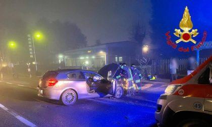 Schianto frontale a Chignolo Po, 3 feriti: le foto dell'incidente
