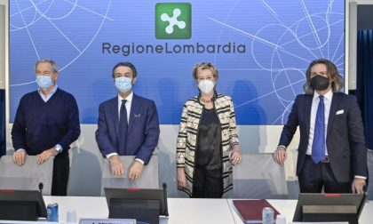 """Vaccinazioni Covid, Bertolaso: """"Cronometreremo i tempi per capire quanti vaccini fare in 24 ore"""""""