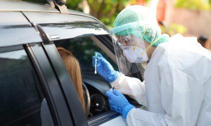 """I """"Drive In"""" per tamponi trasformati in punti di somministrazione dei vaccini anti Covid"""